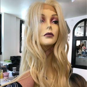 Accessories - Blonde 613 Long wAve 13x6 freepart Swisslace Wig